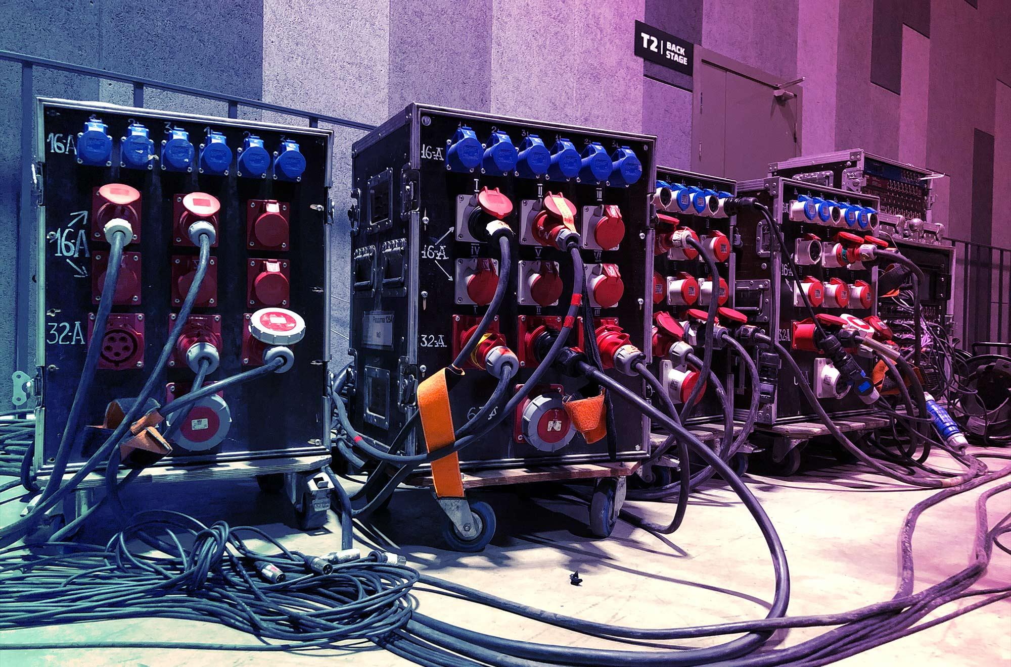 Prestation scénique : la distribution électrique